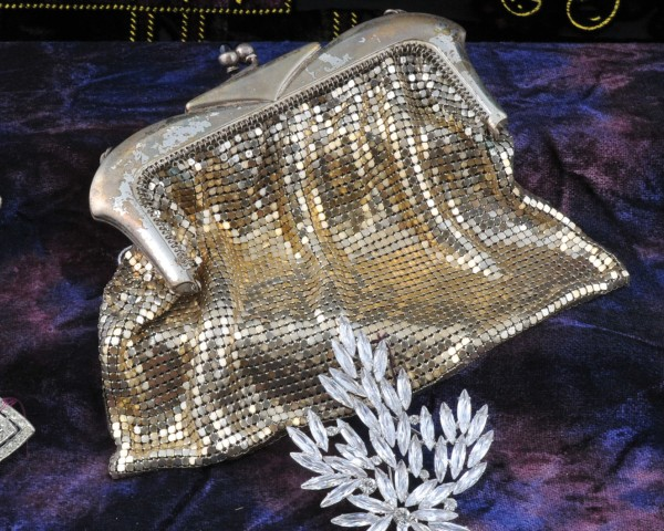 Vintage purse & brooch